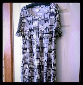 Lularoe NWOT Black & White Carly Dress
